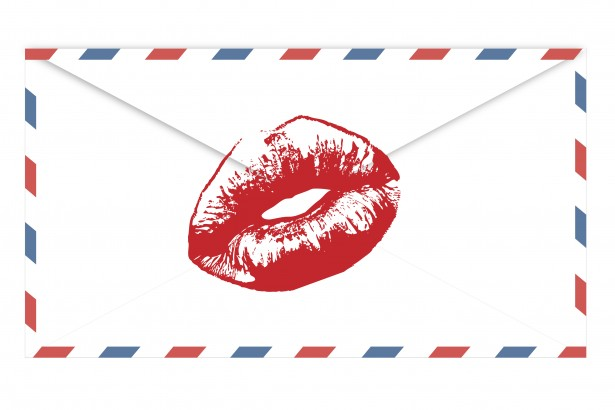 airmail-envelope-red-lips-kiss-13703966350xG