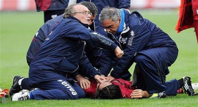 """Muore mentre gioca a calcio con gli amici. """"Il presidente dell'Associazione rischia l'omicidio colposo"""""""